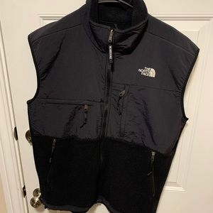 Men's North face black zipper vest large